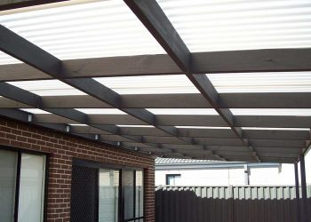 Flat-Roof-Timber-Veranda-with-Polycarbonate-Roofing-5