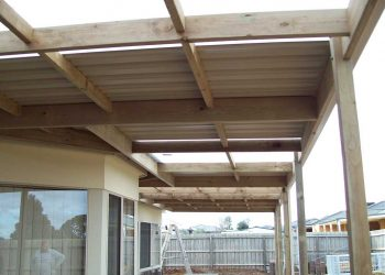 Flat-Roof-Timber-Veranda-with-Trimdeck-4